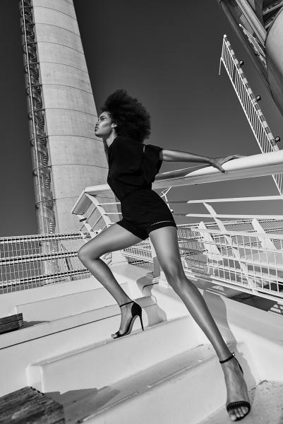 Photographie de mode en noir et blanc