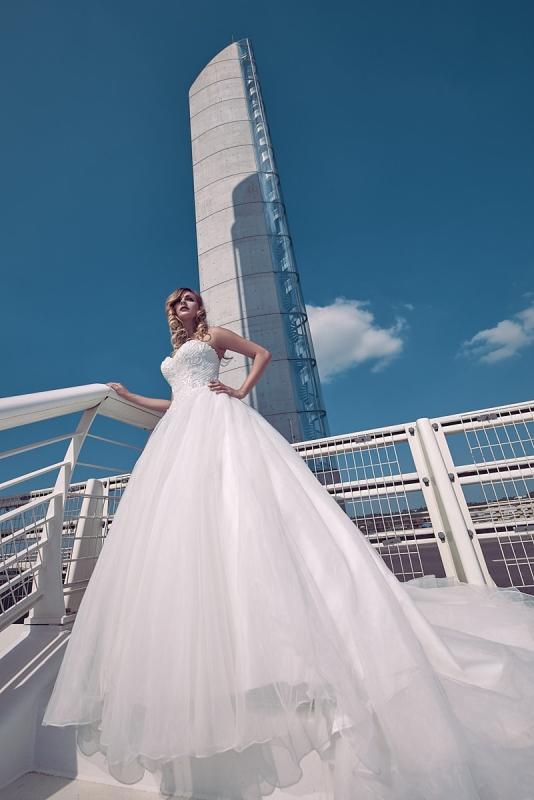 Photo de robe de mariée pour catalogue ou publicité